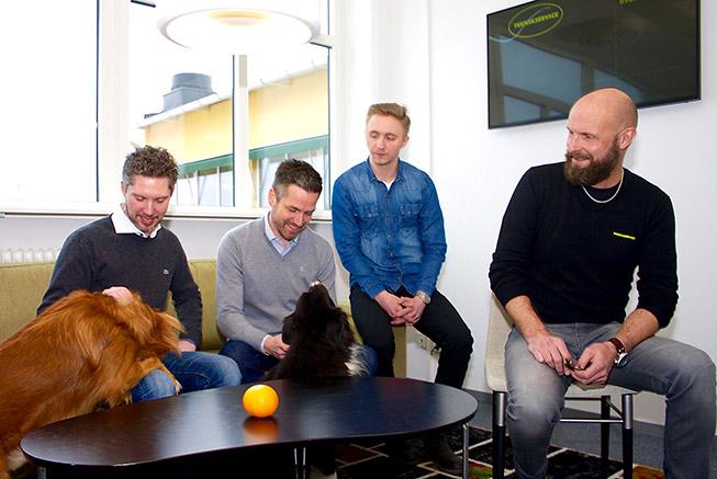 Teknikservice administrativa funktion, delar av personalen på bild, från vänster: Christoffer Öqvist (inköp), Robert Thuresson (vd), Erik Lilja (kalkyl) och Timo Andersson (platschef och försäljning).